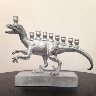 Menociraptor-silver